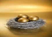 对比比特币 10月黄金表现凸显两大特征