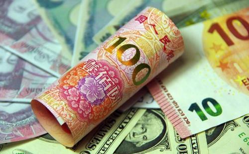 6月17日财经早餐:美元收复97关口,黄金持稳,油价飙升5%后大幅回落