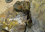 铜矿公司违法排废水影响数万居民吃水 赔偿八千万